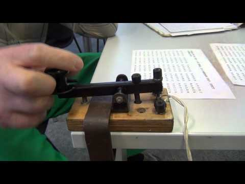 High speed morse telegraphy using a straight key