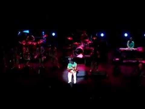 Al McKay playing his solo / tocando su solo 08/11/07