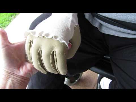 Download Youtube: Rolands first hand squeeze 019