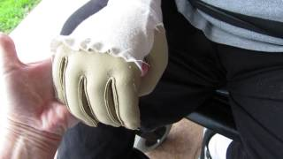 connectYoutube - Rolands first hand squeeze 019