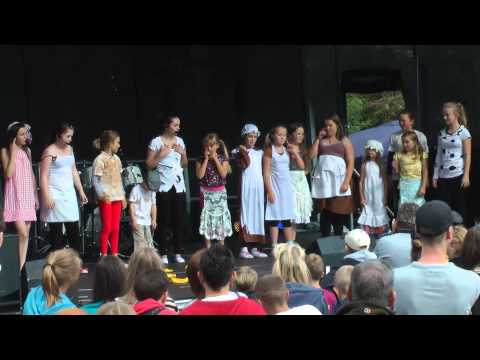 S13 Does Broadway - 'It's a Hard Knock Life' ('Annie') - Link Fest 2012