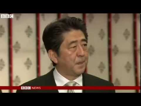 Japan PM Shinzo Abe visits Yasukuni WW2 shrine