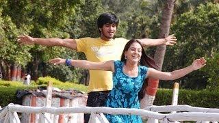 Gambar cover Yuvatha Movie - Elesi Nuvvu Full Video Song - Nikhil, Aksha