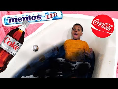 DIET COKE MENTOS BATH CHALLENGE! (ULTIMATE FAIL)