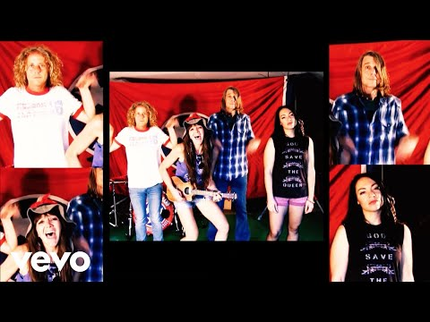 The Raelynn Nelson Band Shares Fierce, Fun Video for 'Mama Cry'