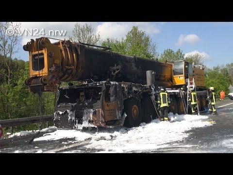23.04.2018 - VN24 - 400-t-Mobilkran Auf A45 Bei Dortmund Ausgebrannt