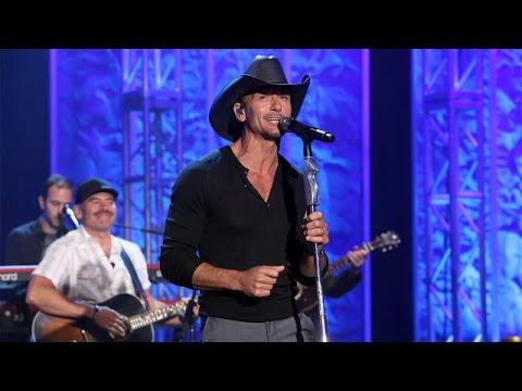 Tim McGraw Performs 'Something Like That'