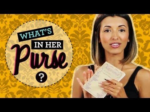 India De Beaufort Spills What's in Her Purse!