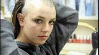 Britney Spears shaves her head bald