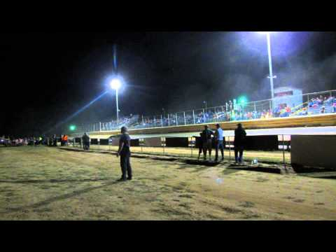 10-12-2013 Steelhead Late Model Race Clip Dublin Motor Speedway NC