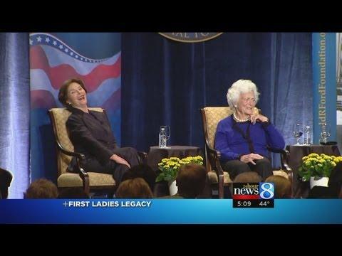 Barbara, Laura Bush talk White House life