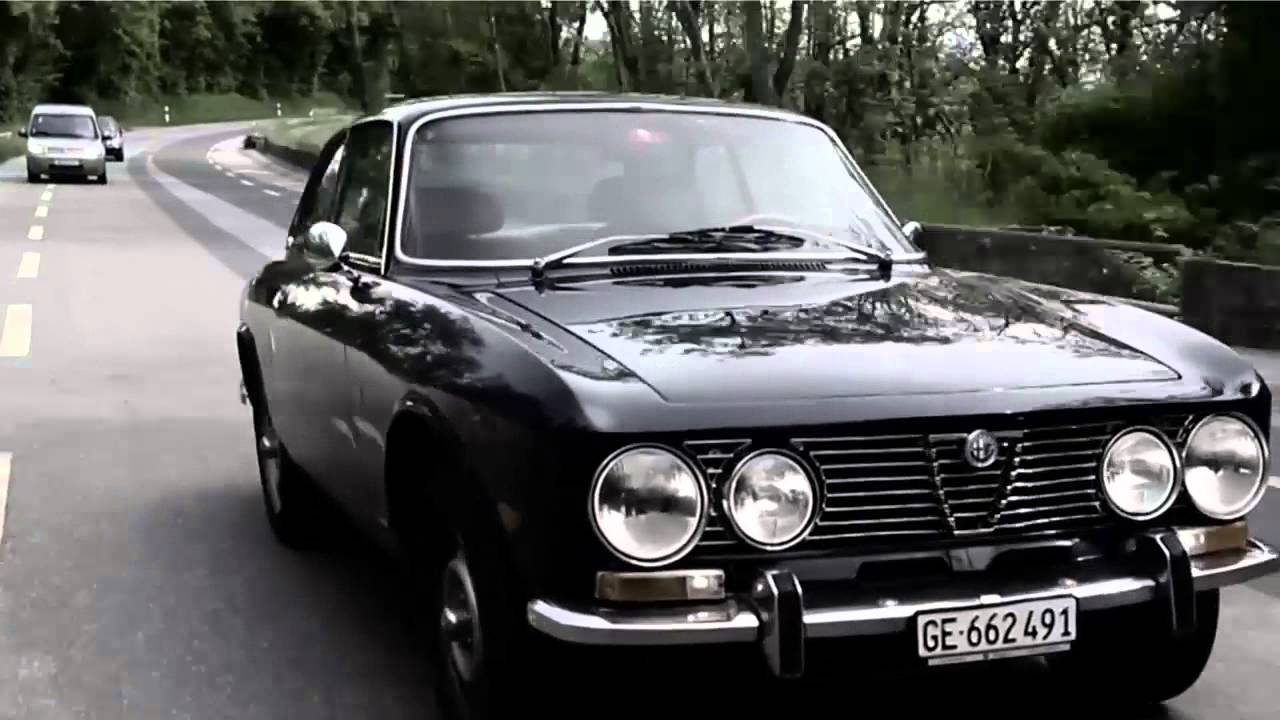 pure alfa romeo hommage alfa romeo 2000 gtv bertone youtube. Black Bedroom Furniture Sets. Home Design Ideas