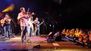 Zac Brown Band - Free (Feat. Joey & Rory) [Live]