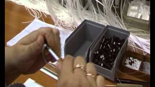 Инструкция по производству горизонтальных жалюзи VENUS.3(Видео-инструкция по производству горизонтальных жалюзи VENUS. 3-Сборка Venus. Компания Амиго-Ярославль. 150044,..., 2012-10-10T20:13:29.000Z)