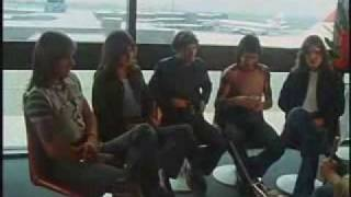 ACDC INTERVIEW 1975 AIRPORT IN SYDNEY Plug Me In
