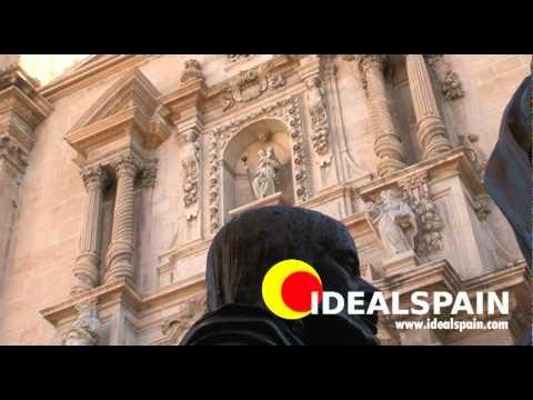 Elche in the province of Alicante (Valencia). A tour of the city