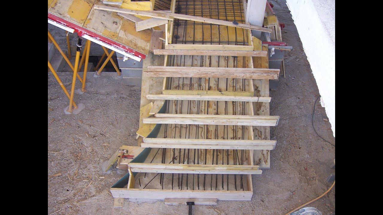 Encofrado de una escalera construir una casa paso a paso for Como hacer una escalera en concreto