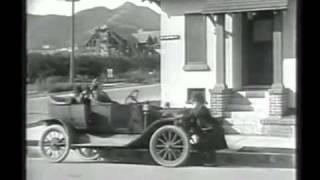Charlie Chaplin - A Day's Pleasure