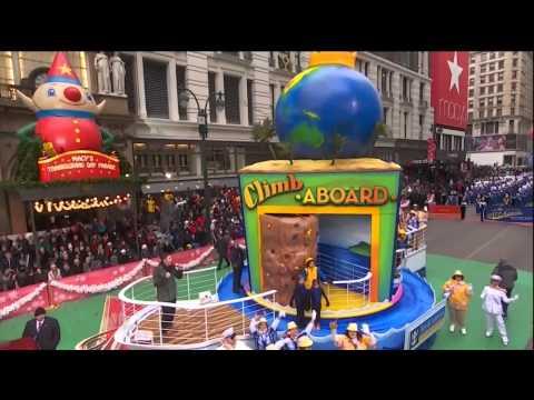 Nick Jonas Performs at Macy's Thanksgiving day parade 2014