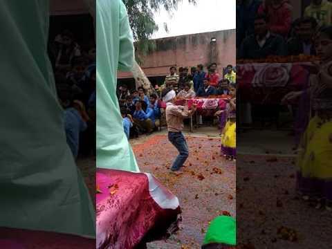 Super dance of slum child