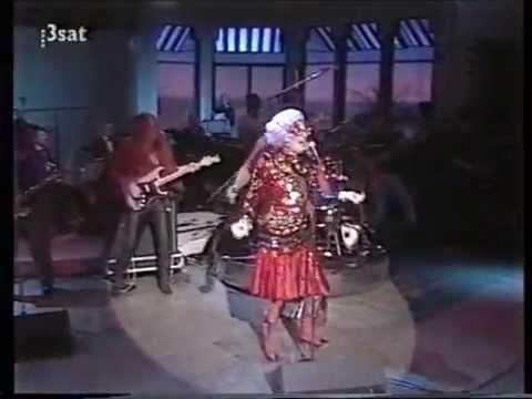 Dame Edna & Chubby Checker - The Twist