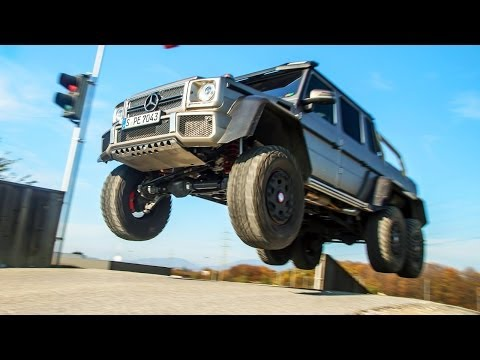 2013 Slow Mo Special: Happy Holidays from the Motor Trend Channel!