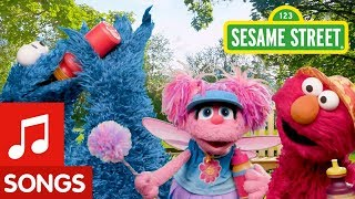 Sesame Street: Water Water Song | Fun in the Sun