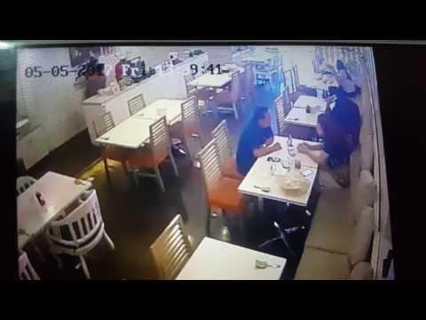 CCTV DETIK2 KEJADIAN DITANGKAPNYA MALING GESER TAS DI MAL KELAPA GADING.