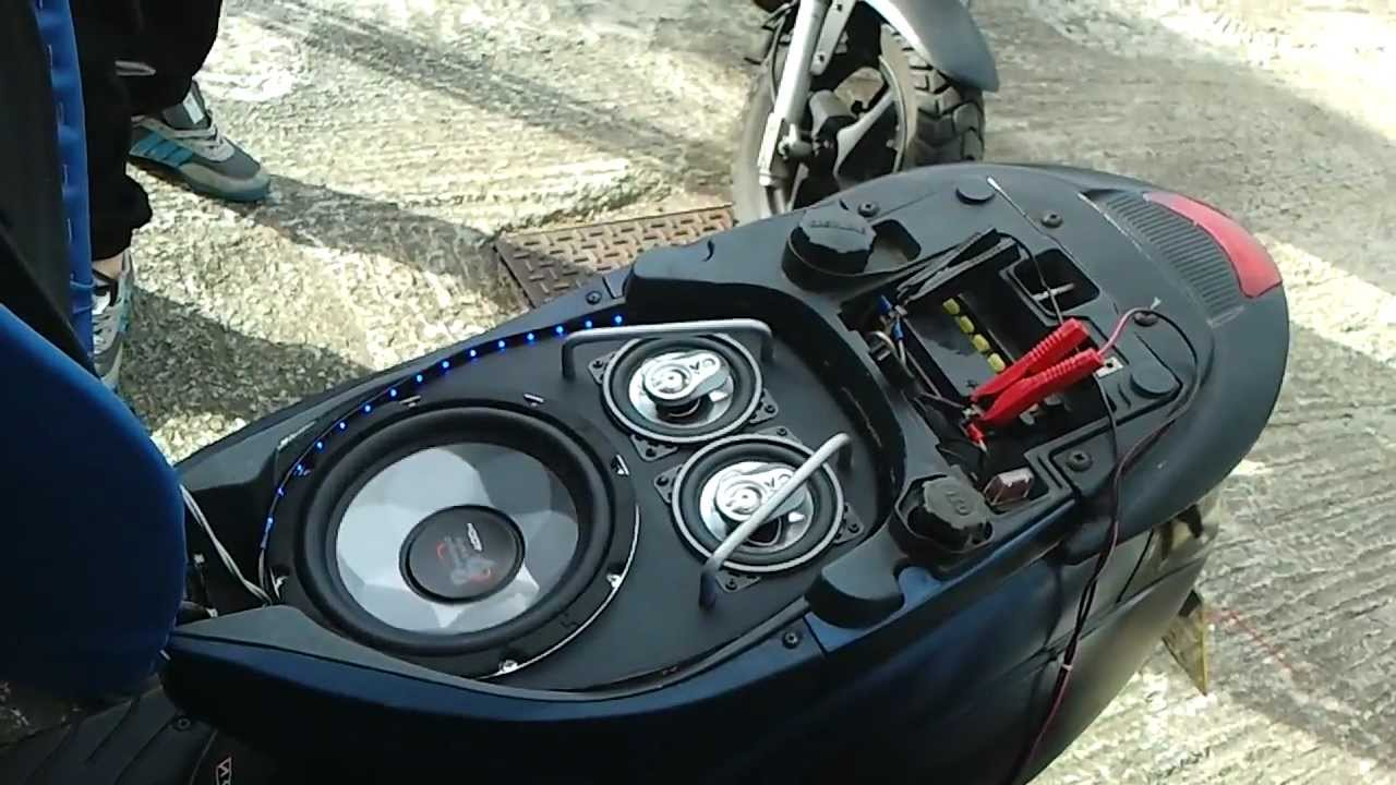 My Moped Sound System 8inch Sub And Two 4inch Fli