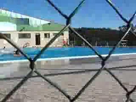Pez En El Agua Piscina Loureiro Vigo Cabral Youtube
