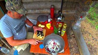 Рыбалка на Озере с Ночёвкой в Лесной Избе Ужин на Костре Мясо Медведя Тушёное в Пиве