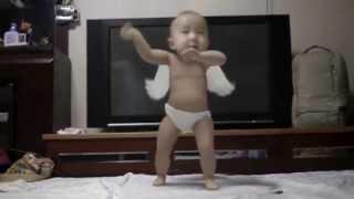 Bebe bailando Gangnam style(wop wop)