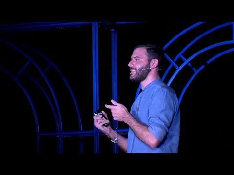 Ταξιδεύει το ίντερνετ στο διάστημα; | Ioannis Komnios | TEDxKavala