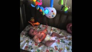 видео Подвески и мобили: первые игрушки малыша