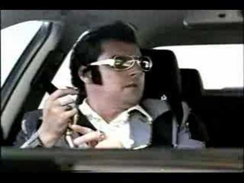 """Audi Wackel-Elvis commercial (2001, British version)"""