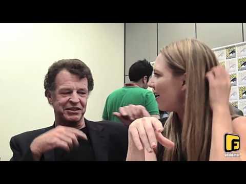 Anna Torv and John Noble  ComicCon 2011