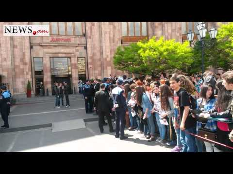 Fans Sing Happy Birthday To Shavo Odajian In Yerevan