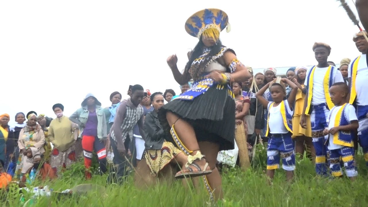 Download UMSHADO WESINTU - ZULU TRADITIONAL  WEDDING