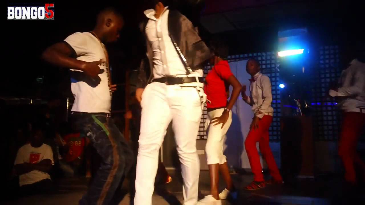 Download Bob Junior performing Nichum live at Club Bilicanas