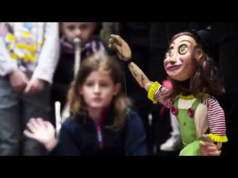 "Streetshow ""Laia and the Flight of Imagination"" - Cia Tu Mateixa Marionetes (Brazil)"