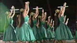 Repeat youtube video Merrie Monarch 2005 - Hula Halau O Kamuela - Wahine 'Auana