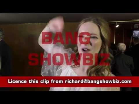 Morfydd Clark BANG SHOWBIZ interview UK Premiere Love & Friendship streaming vf