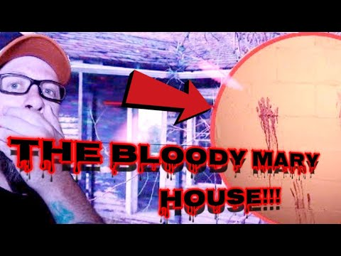 Urban Exploring - The Bloody Mary House! Elizabeth Colorado