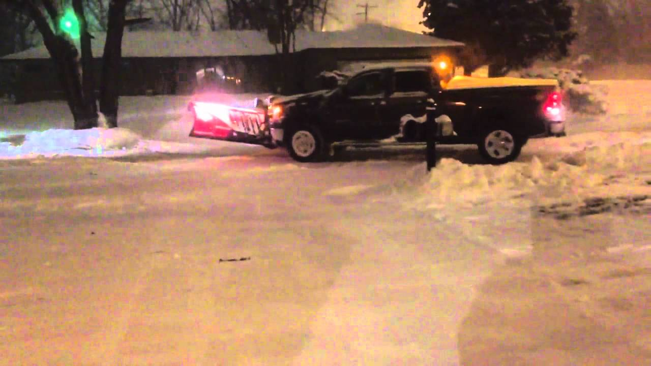 GMC Sierra 2500 (2011) Plowing Snow - YouTube