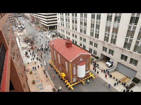 شاهد: نقل مبنى كنيس يهودي بالكامل في واشنطن إلى موقع ثان …  - 15:53-2019 / 1 / 10
