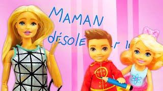 Vidéo intéressante de Barbie. Les enfants s'amusent bien. La maison des poupées.