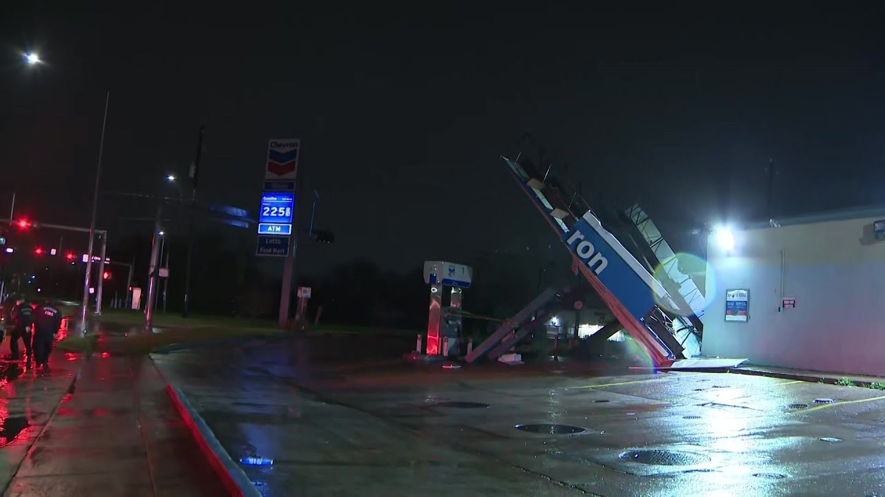Awning at Houston gas station falls over in heavy winds ...