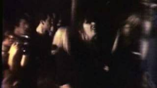 Ramones - Blitzkrieg Bop - CBGB 10/6/77