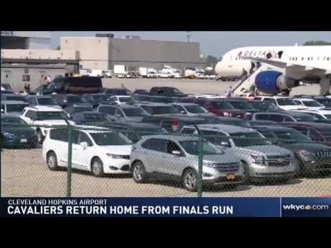 Cleveland Cavaliers arrive back in Cleveland after losing 2017  NBA Finals