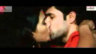 Download Video EMRAN HASHMIE KISSES DIYA MIRZA MP3 3GP MP4